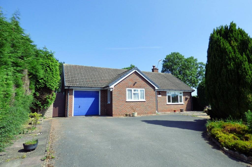 2 Bedrooms Detached Bungalow for sale in Church Broughton, Derby