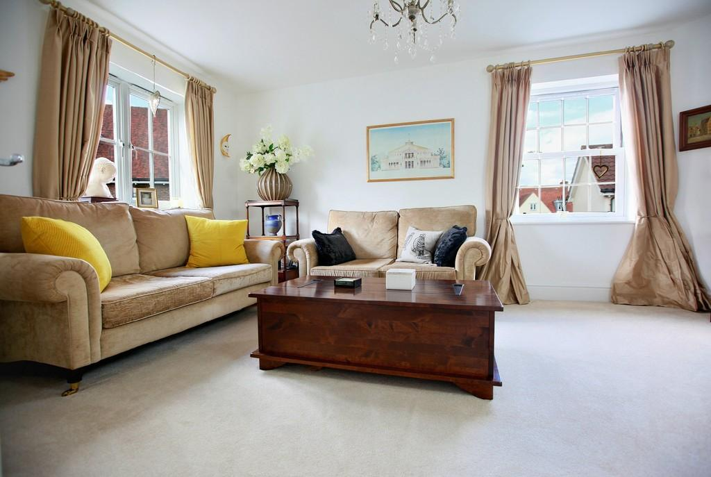 3 Bedrooms Link Detached House for sale in Wharton Drive, Beaulieu Park