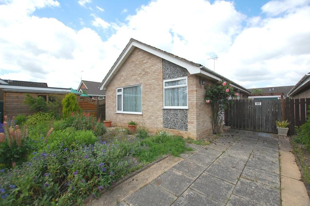 3 Bedrooms Detached Bungalow for sale in Stuart Road, Aylsham