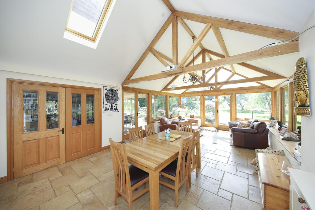 4 Bedrooms Detached House for sale in Hemington, Somerset