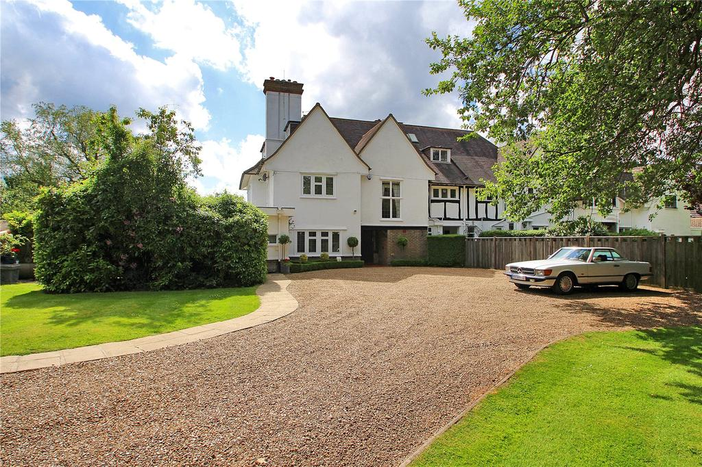 4 Bedrooms Semi Detached House for sale in Station Road, Woldingham, Surrey, CR3