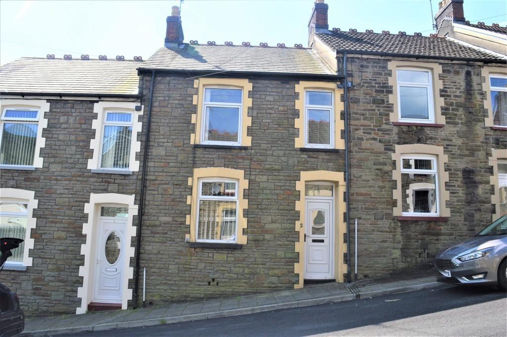 3 Bedrooms Terraced House for sale in James Street, Brithdir