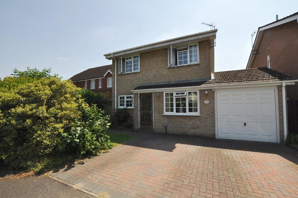 4 Bedrooms Detached House for sale in Bridgehill Close , Guildford