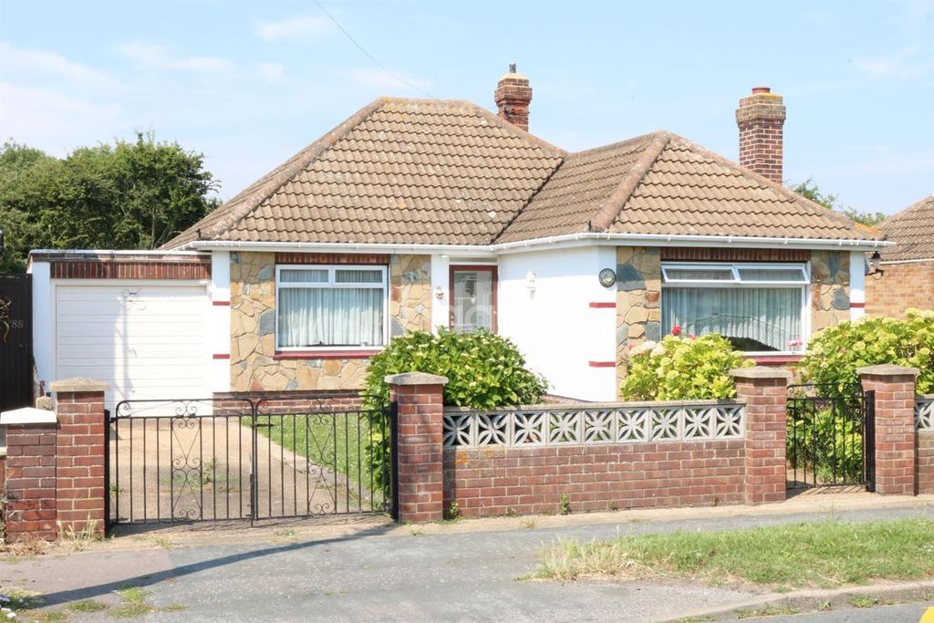 2 Bedrooms Bungalow for sale in Tudor Estate