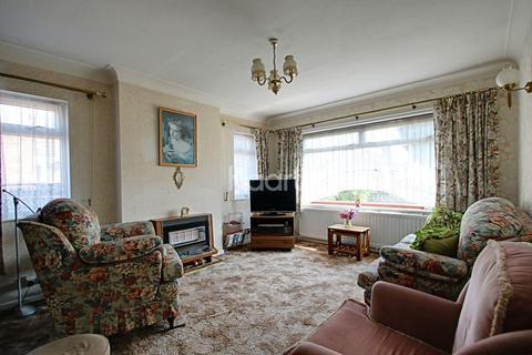 2 bedroom bungalow for sale - Tudor Estate