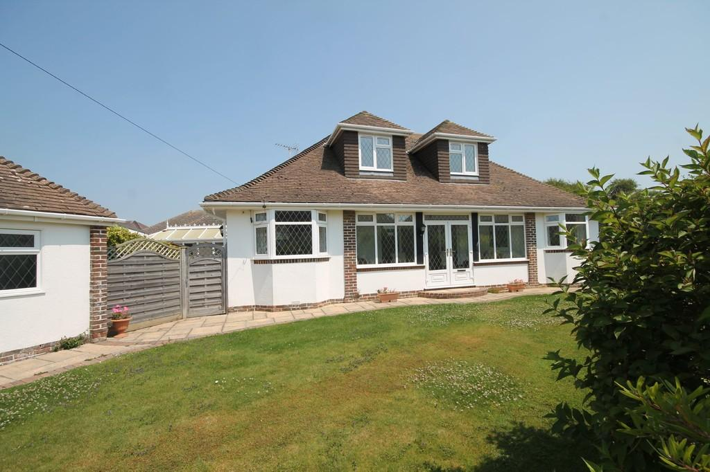 4 Bedrooms Chalet House for sale in Ferring Close, Ferring BN12 5QT