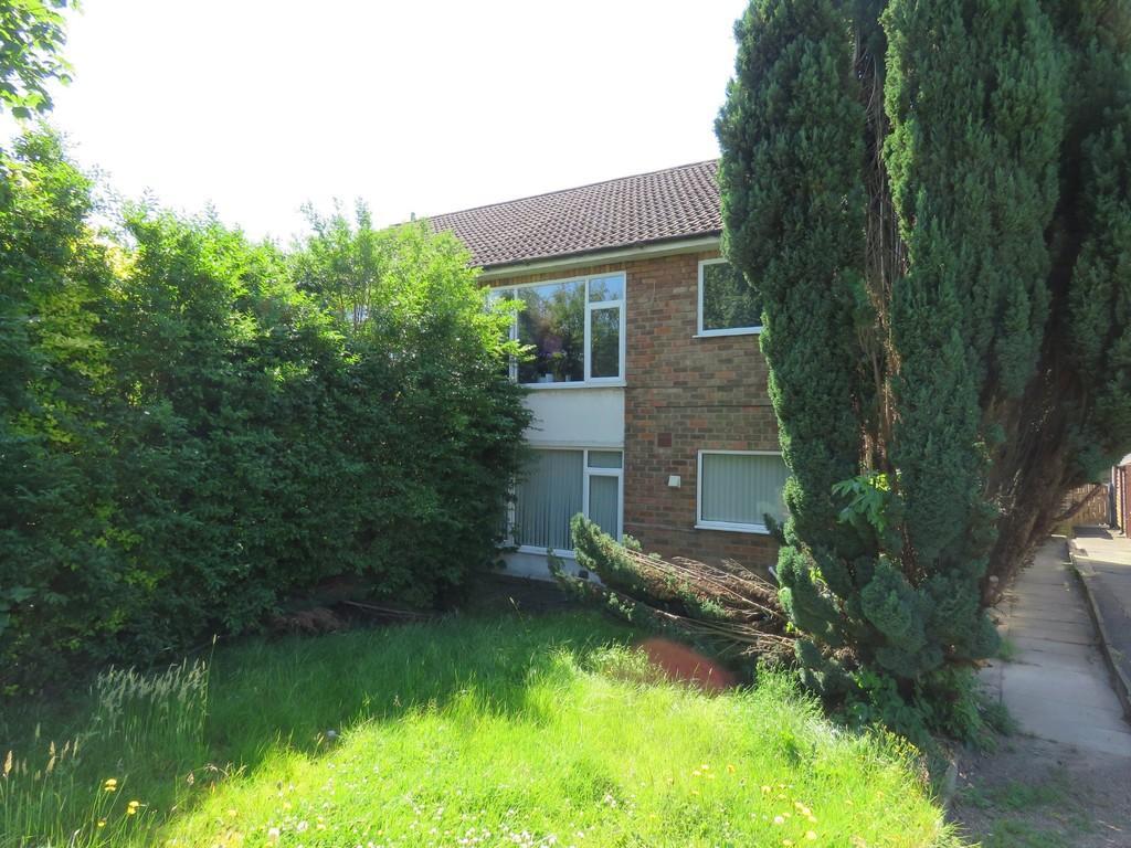 2 Bedrooms Ground Maisonette Flat for sale in Barn Lane, Olton