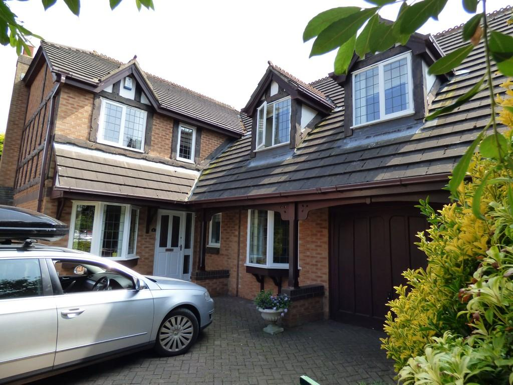 4 Bedrooms Detached House for sale in Cheviot Avenue, Lytham St Annes