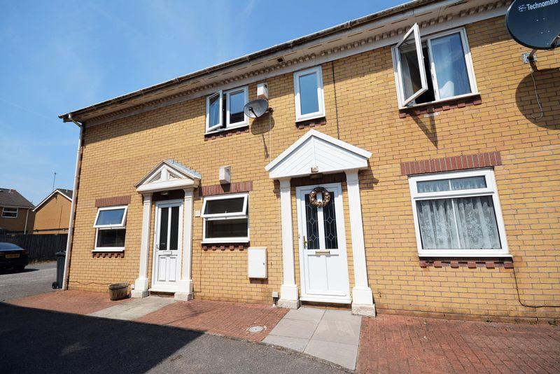 2 Bedrooms Apartment Flat for sale in Eddystone Close, Grangetown, Cardiff