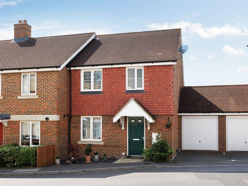 3 Bedrooms Semi Detached House for sale in Flaxen Fields, Five Ash Down, East Sussex