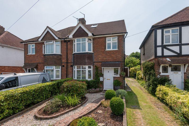 4 Bedrooms Semi Detached House for sale in Vale Avenue, Patcham, Brighton,