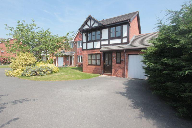 3 Bedrooms Detached House for sale in Ffordd Caledfryn, Denbigh