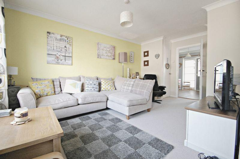 3 Bedrooms Terraced House for sale in Stoneham Park, PETERSFIELD, Hampshire