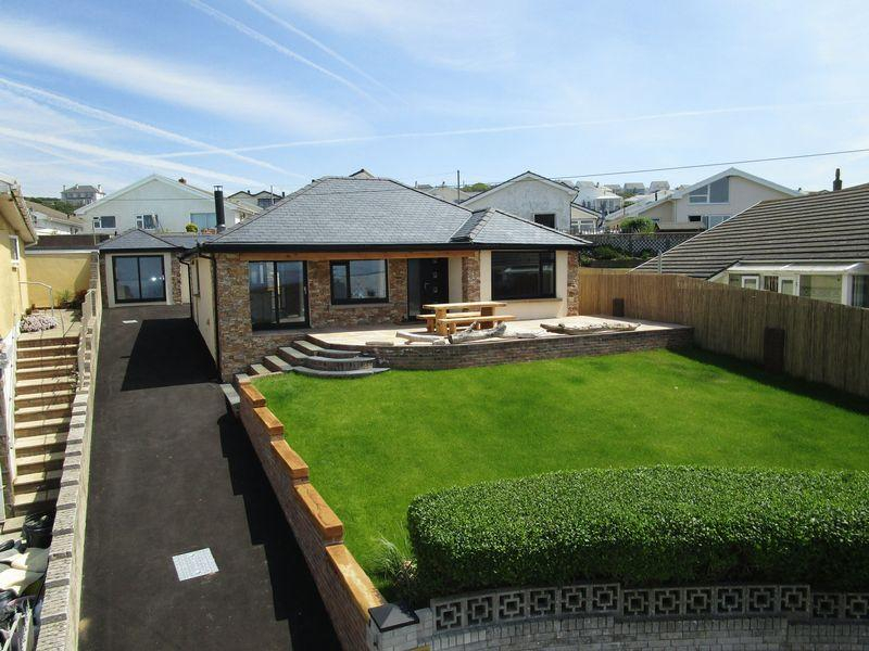 4 Bedrooms Detached House for sale in 28 Marine Drive, Ogmore By Sea, CF32 0PJ