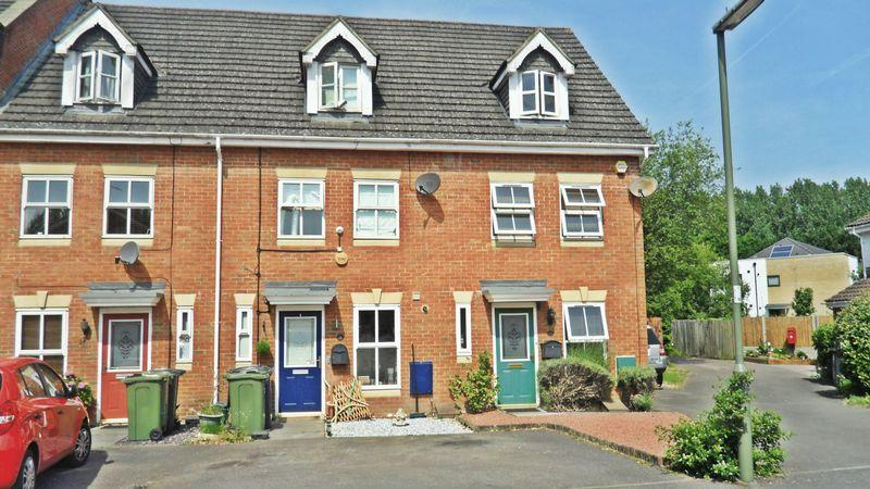 3 Bedrooms End Of Terrace House for sale in Ash Vale, Aldershot