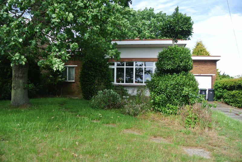 2 Bedrooms Detached Bungalow for sale in Mill Lane, Herne