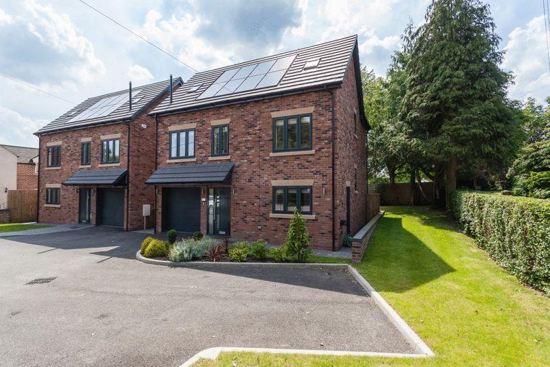 4 Bedrooms Detached House for sale in London Road, Woore, Nr Nantwich