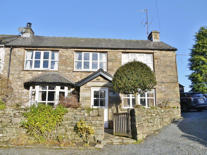 4 Bedrooms Cottage House for sale in 7 Hallbank, Sedbergh, LA10 5JW