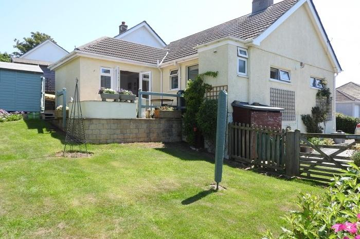 2 Bedrooms Bungalow for sale in Bryher, 9 Mill Close, PORTHLEVEN, TR13