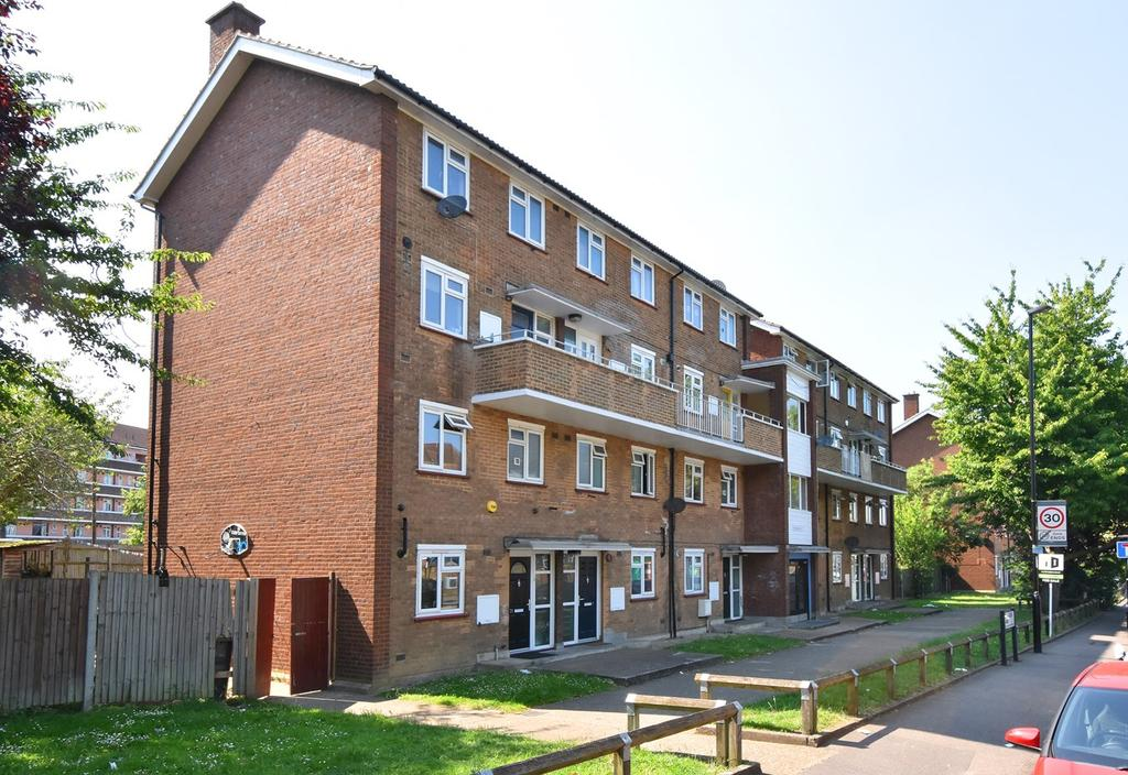 2 Bedrooms Flat for sale in Bell Green Lane, London, SE26