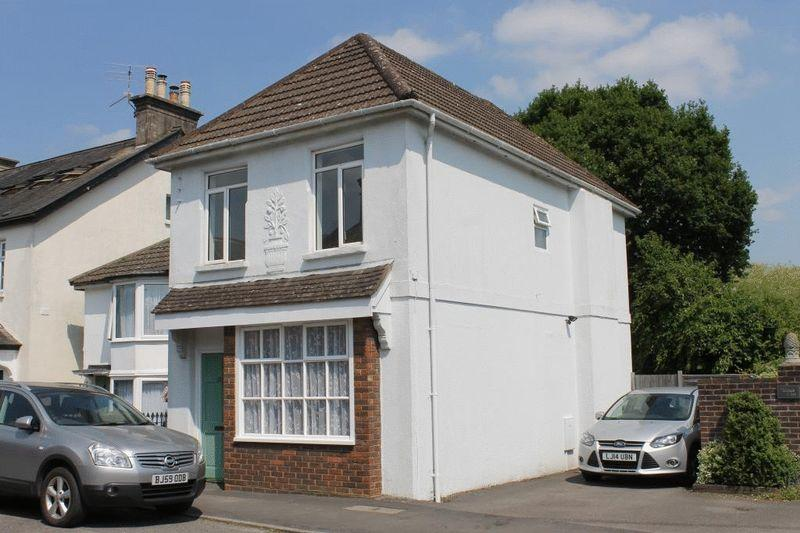 2 Bedrooms Semi Detached House for sale in CAPEL, Nr DORKING
