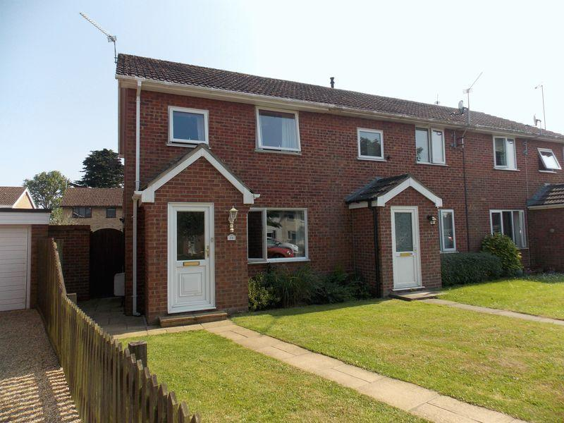 3 Bedrooms Terraced House for sale in Victoria Close, Thurston