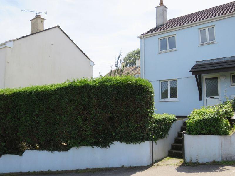 3 Bedrooms Semi Detached House for sale in Cornish Crescent, Truro