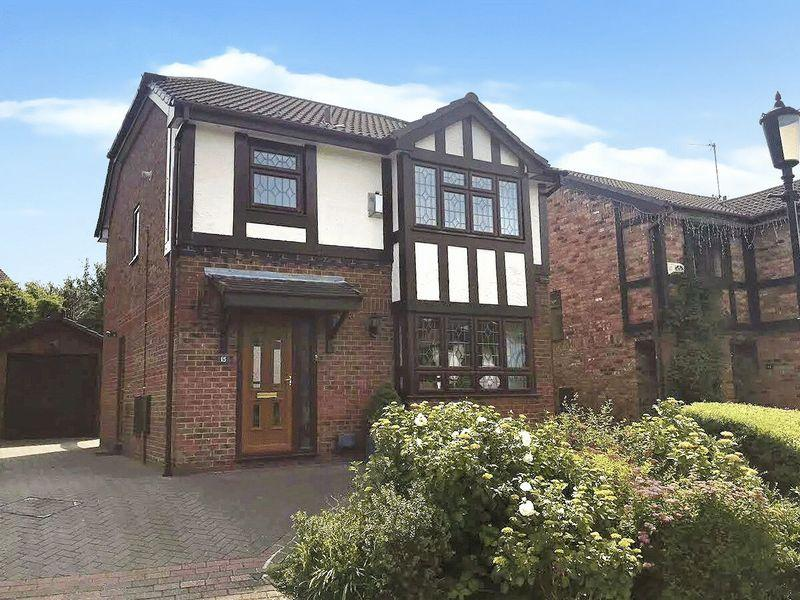 3 Bedrooms Detached House for sale in Long Spinney, Priory Grange
