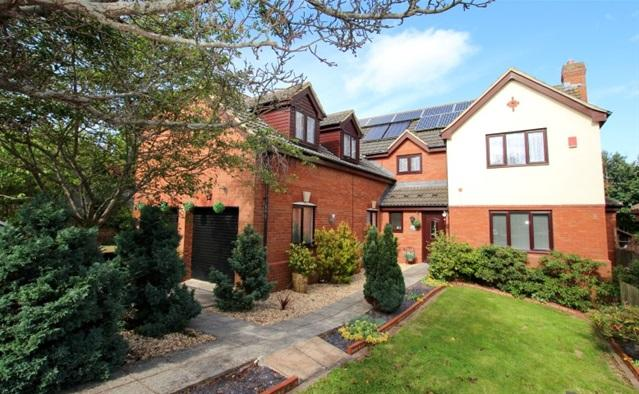 6 Bedrooms Detached House for sale in Pound Farm Close, Bridgwater