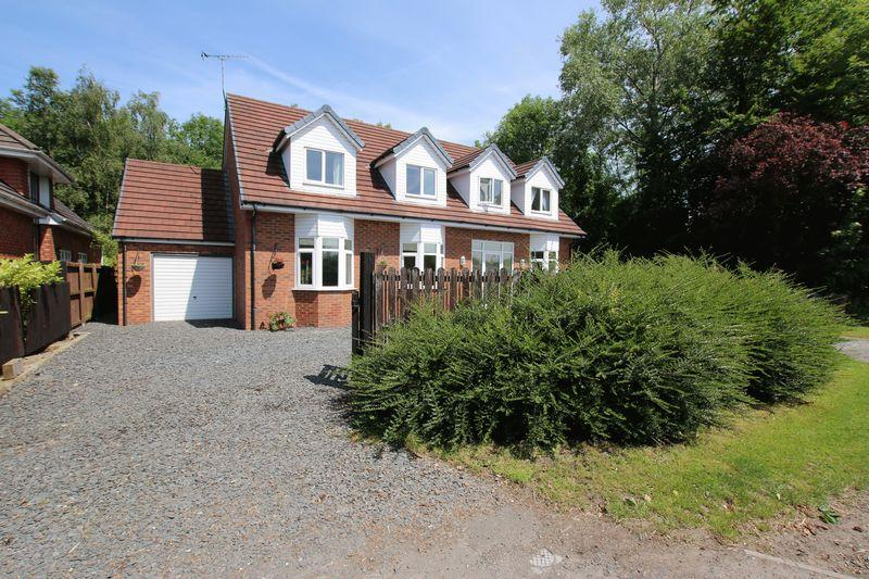 5 Bedrooms Detached House for sale in Lindle Lane, Hutton