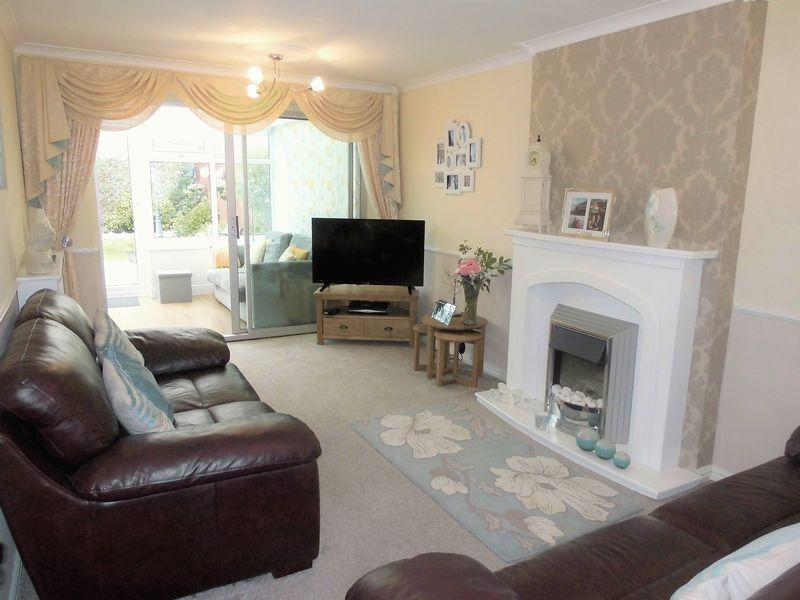 3 Bedrooms Semi Detached House for sale in Keighley Avenue, Marton