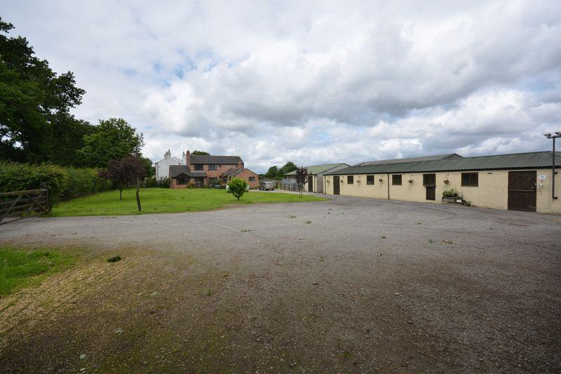 3 Bedrooms Equestrian Facility Character Property for sale in Stockley Farm, Stockley Lane, Lower Stretton, Warrington