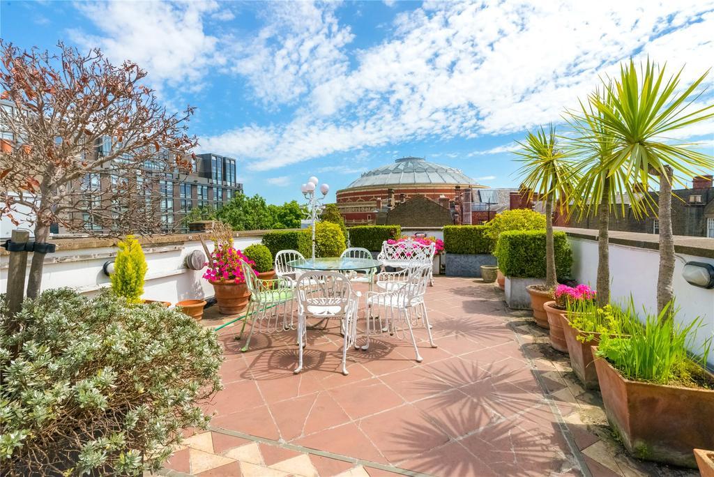 4 Bedrooms Maisonette Flat for sale in Queen's Gate, London, SW7
