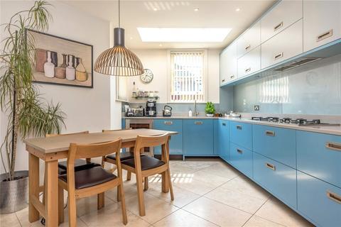 4 bedroom semi-detached house for sale - Terrace Road, Victoria Park, London, E9