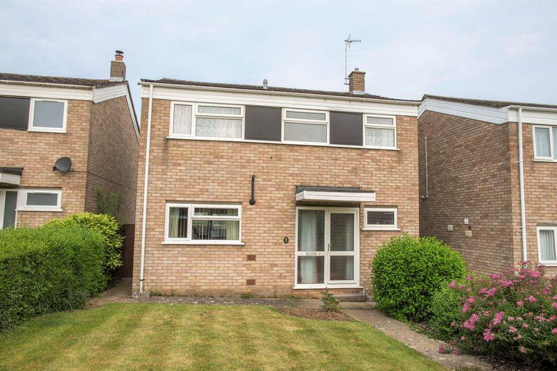 4 Bedrooms Detached House for sale in Sherborne Road, Bury St. Edmunds