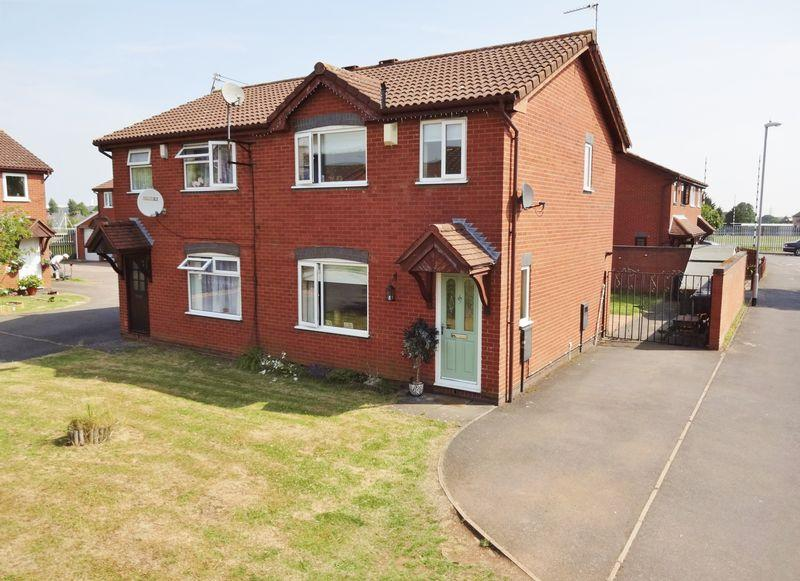 3 Bedrooms Semi Detached House for sale in Cannock Road, Corby