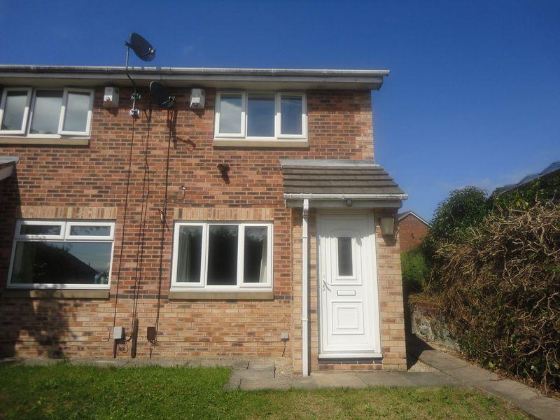 2 Bedrooms Semi Detached House for sale in Greenfields, Heckmondwike
