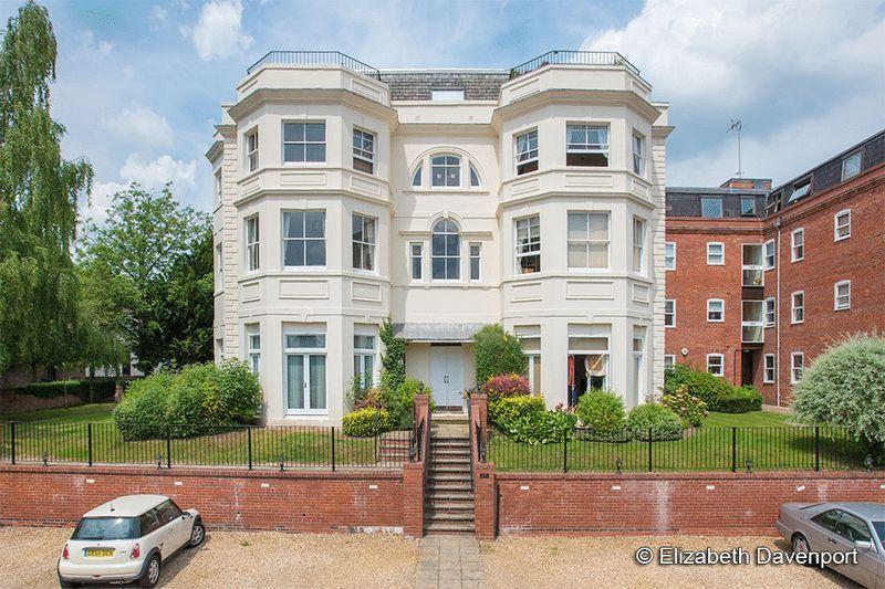 2 Bedrooms Apartment Flat for sale in Bridge Street, Kenilworth