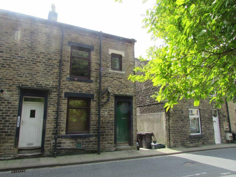 3 Bedrooms Terraced House for sale in Hollins Road, Walsden, Todmorden