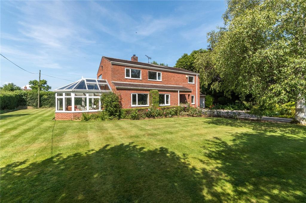 4 Bedrooms Detached House for sale in The Green, Poulshot, Wiltshire, SN10