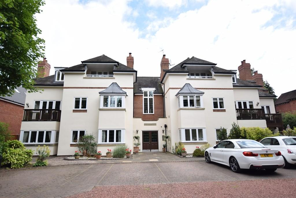 2 Bedrooms Apartment Flat for sale in Warwick Road, SOLIHULL, B91