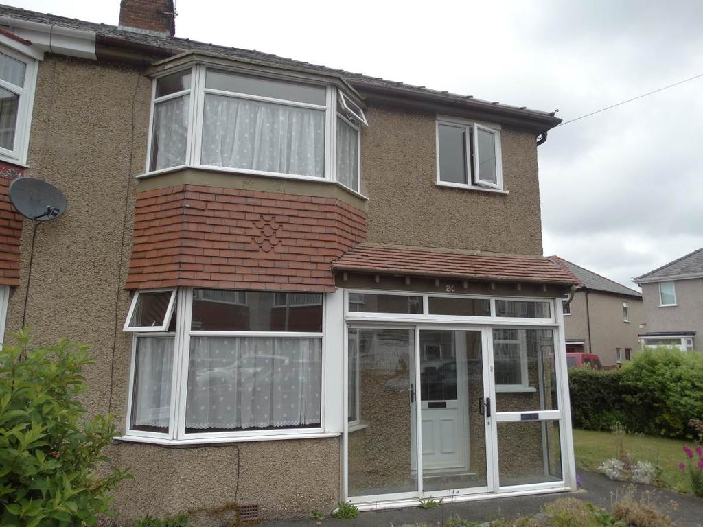 3 Bedrooms Semi Detached House for sale in 24 Bryn Marl Road, Mochdre, LL28 5EA