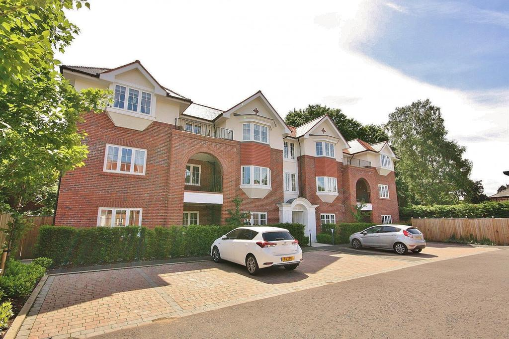 3 Bedrooms Penthouse Flat for sale in Brockley Square, Wilmslow
