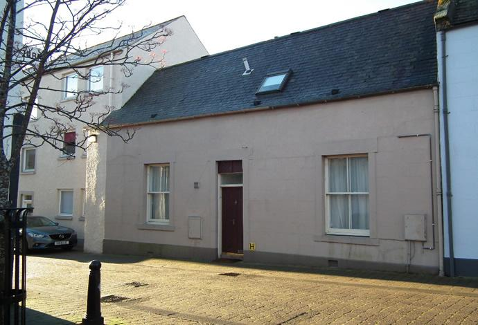 2 Bedrooms Terraced House for sale in 11 Castle Street, Duns, TD11 3DS