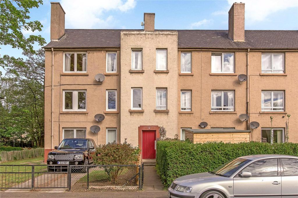 2 Bedrooms Flat for sale in 16/3 Granton Place, Edinburgh, EH5