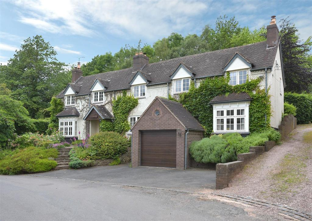 5 Bedrooms Detached House for sale in Holy Cross Green, Clent, Stourbridge