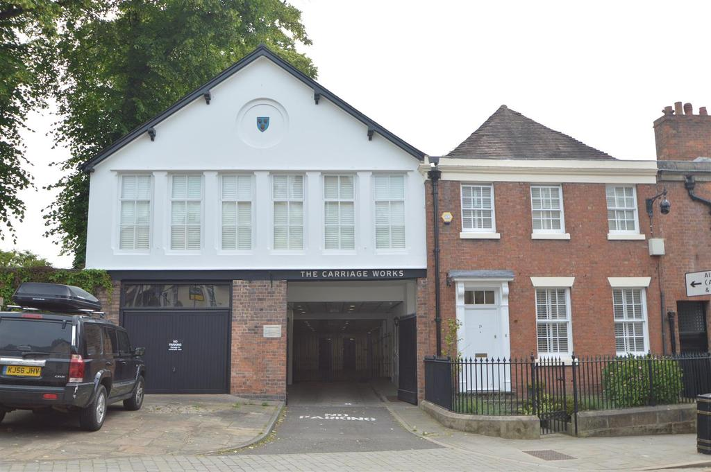 2 Bedrooms Apartment Flat for sale in 2 The Carriage Works, Dogpole, Shrewsbury, SY1 1EZ