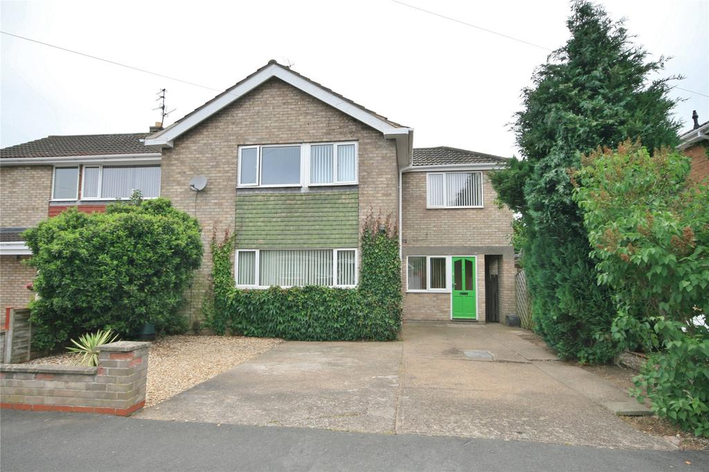 4 Bedrooms Semi Detached House for sale in Hawksdale Close, Grantham, NG31