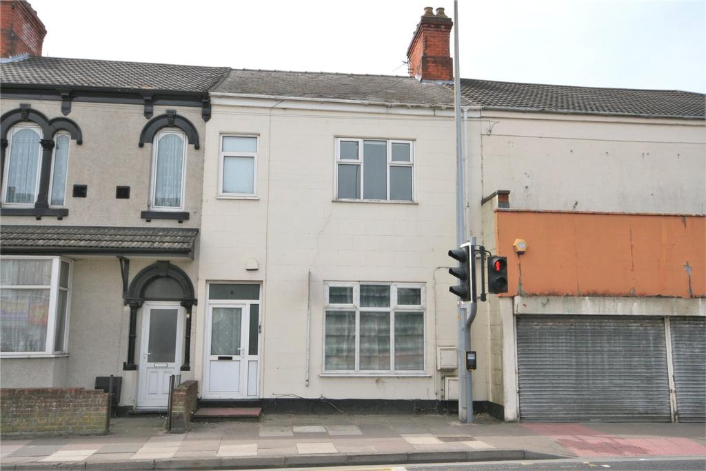 2 Bedrooms Flat for sale in Grimsby Road, Cleethorpes, DN35