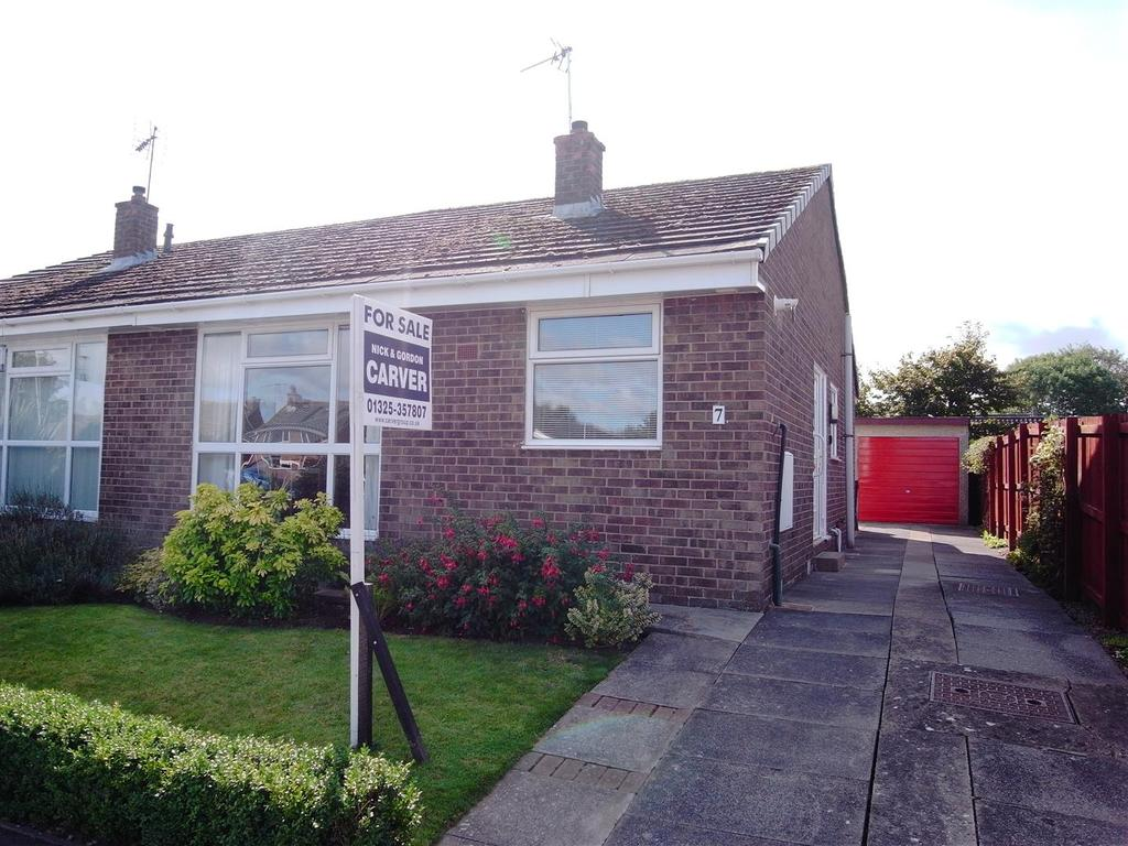 2 Bedrooms Semi Detached Bungalow for sale in Collyers Close, Hurworth